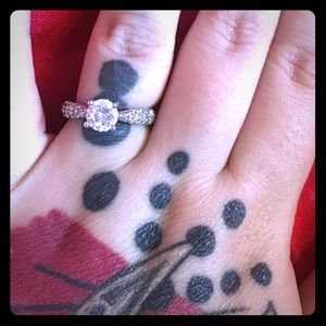 Jewelry - Cubic zirconia ring. Brand new 💍🧚🏻♂️
